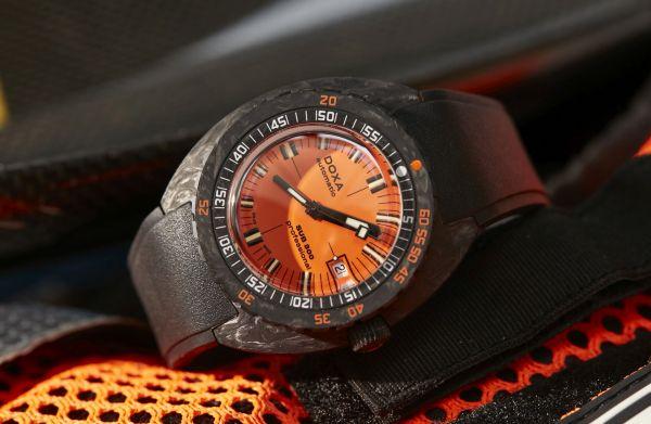 DOXA SUB 300 Carbon COSC Orange Professional