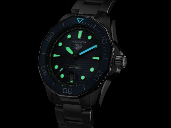 TAG Heuer Aquaracer Professional 300 Calibre 5 Automatic with blue sunray-brushed dial