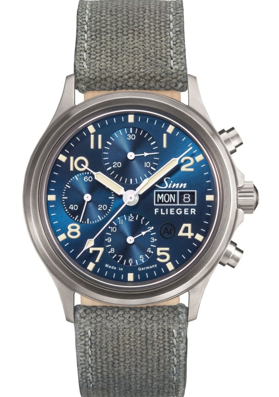 SINN 358 Sa PILOT B E Chronograph (with a dark-blue dial and ivory-coloured coating)