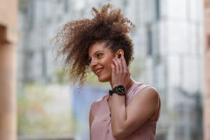 Aipower® WearBuds™: The World's First Smartwatch that Houses the Earbuds
