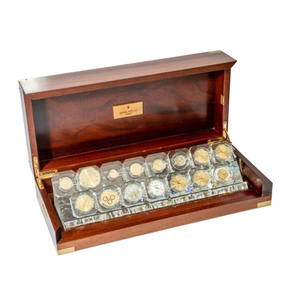 LOT 260: Rolex, Presentation Case with 15 Movements and Dials