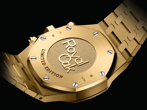 Audemars Piguet Royal Oak Self-winding Chronograph, New Model with 18-carat Yellow Gold Case and Green Dial