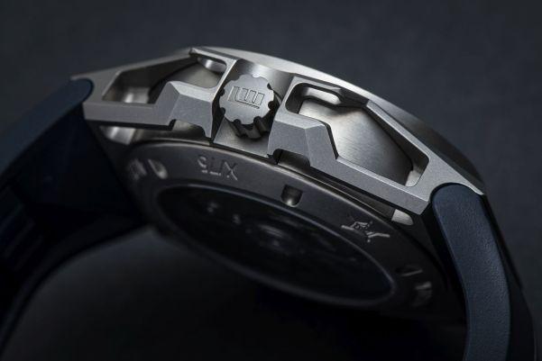 Linde Werdelin SpidoLite Nord titanium watch