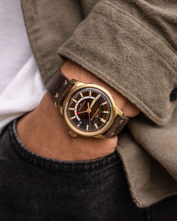 NORQAIN Freedom 60 GMT Bronze wristshot