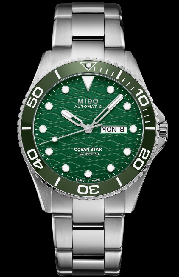 MIDO OCEAN STAR 200C TRILOGY diving watch with green dial