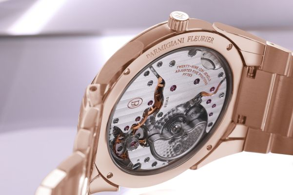 Parmigiani Fleurier Tonda PF Micro-Rotor with polished and satin-finished eco-friendly 18ct rose gold with hand-knurled bezel