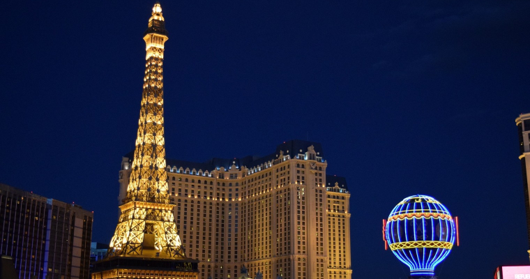 Wait, Las Vegas Hotel Paris Loses Power And People Can't Get Their Luggage?