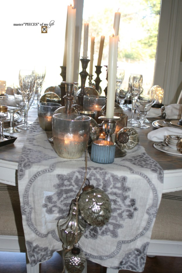 Dazzingly bright new years eve tablescape5