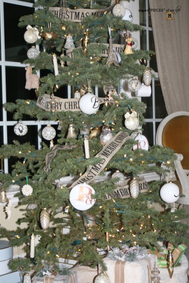 A trimmed christmas tree8