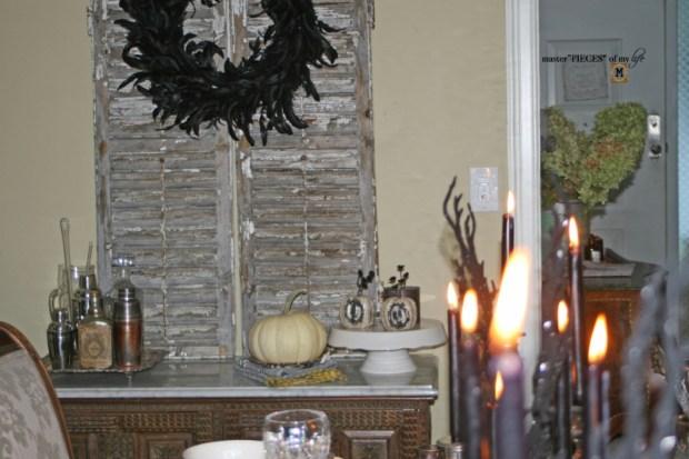 Glitzy halloween tablescape 10