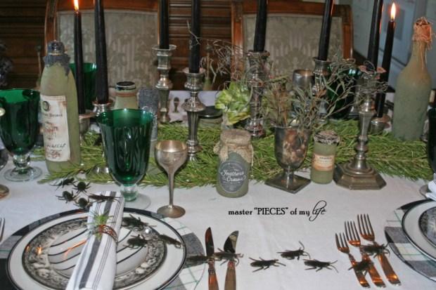 Green & black halloween tablescape2