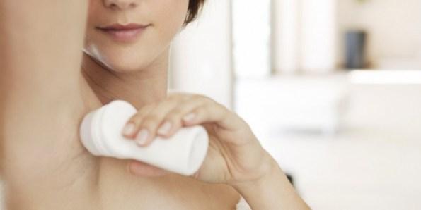 mujer-desodorante-870x435