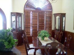 Mahogany Hardwood China Cabinets