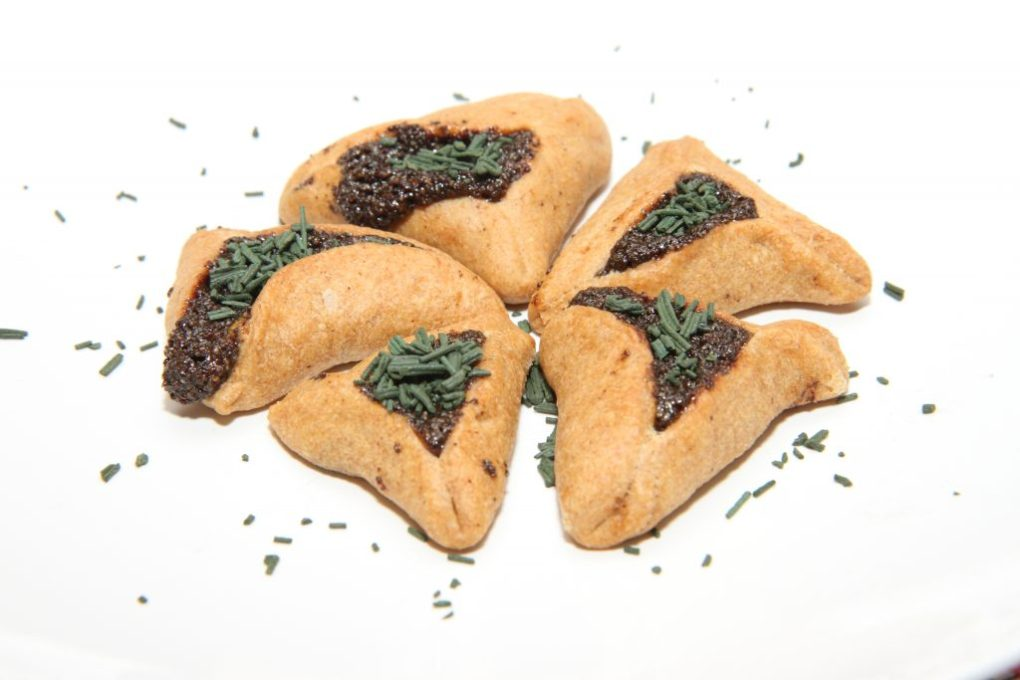 hamentashen-with-spirulina-1024x683