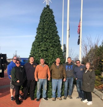 Mastic-Shirley Chamber Christmas tree crew