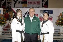 2010-02-23_(b)x_masTaekwondo_Andre_Chaves_Gobernador_y_Andrea_Lara_580