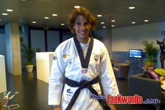 2010-05-17_(8259)x_masTaekwondo_Natural_y_Rafael-Nadal_640