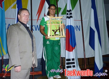 2010-09-03_(15468)x_Monica-Urrego-Colombia-Taekwondo_600