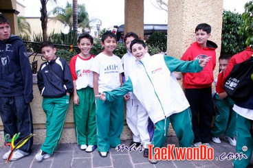 2010-10-15_(17510)x_Selectivo-Nacional-Inf-Juvenil-Mexico_Pesaje-acreditacion_04