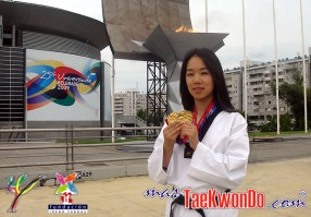 2010-10-16_(17631)x_masTaekwondo_Laura-Kim_02