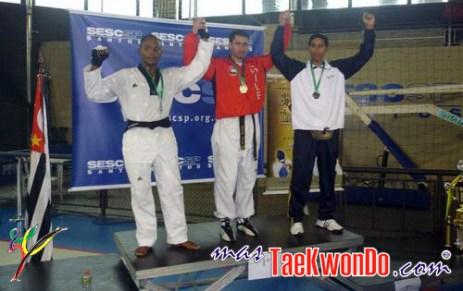 2010-10-28_(18160)x_masTaekwondo_Ecuador-en-Brasil-Open_500_02