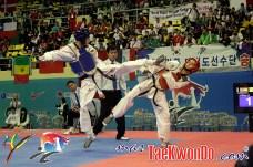 2011-05-02_(25250)x_Joel-González_campeon-Mundial-de-Taekwondo_01
