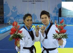 Ollin Medina y Gerardo García de México tras conquistar el bronce en Poomsae