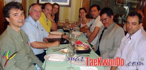 De izquierda a derecha. Labadie, Mandel, Gontán y Sra., Sra. y Torres, Fernandes, González.