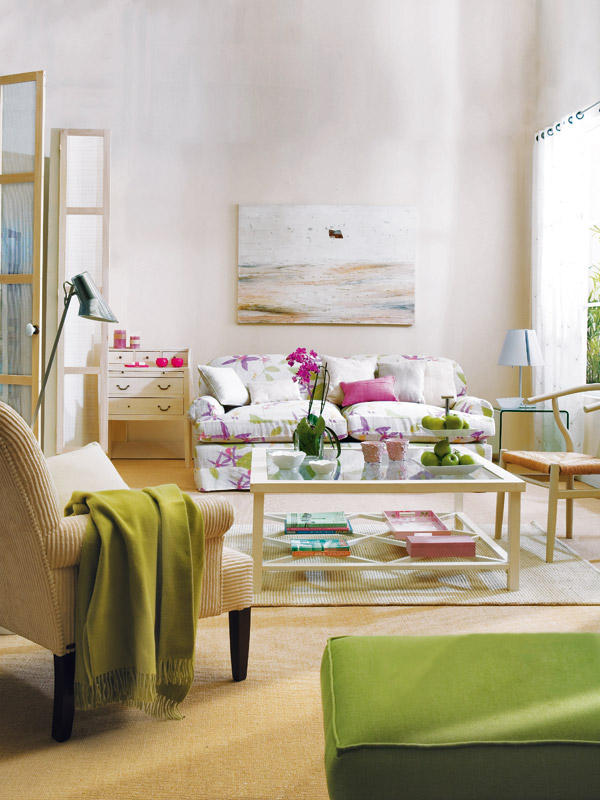 A green and purple living room dcor
