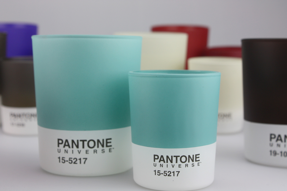 Ah the sweet smell of Design Pantone candles