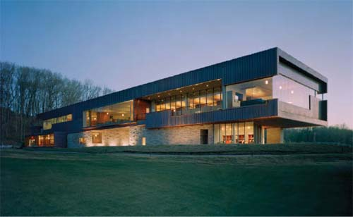 Luxury Golf Clubhouse by Marlon Blackwell Architect