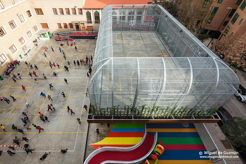 Elevated Sports Court by Guzmn de Yarza Blache