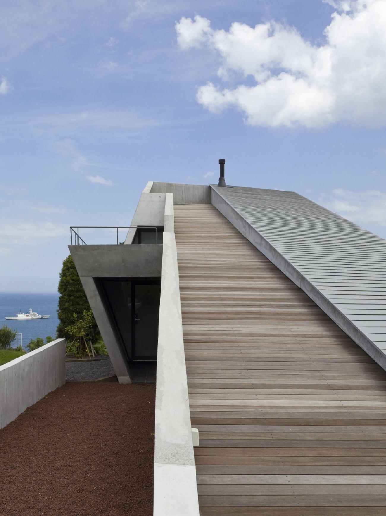 chair mat bamboo hanging papasan diy villa belvedere by milligram architectural studio