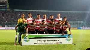 STarting Eleven Madura United saat melakoni Derby-Jatim ke-2 melawan Arema FC. Foto MO MU FC for Mata Madura