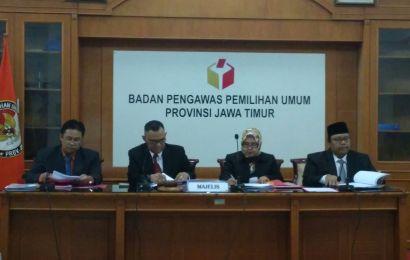 Sidang DKPP soal Rekrutmen Panwascam Sumenep Tegang. Berikut Suasananya…..