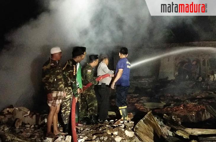 Api Berasal dari Kios Baju, Begini Kronologi Kebakaran Pasar Candi Dungkek