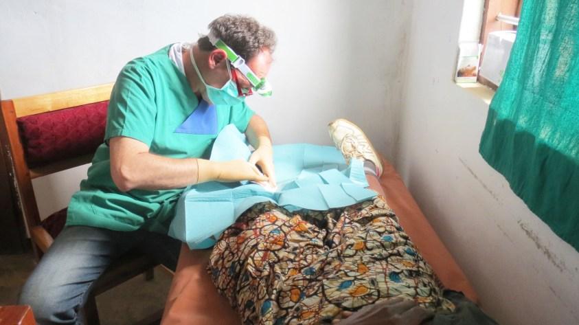Chirurg besucht Matanana