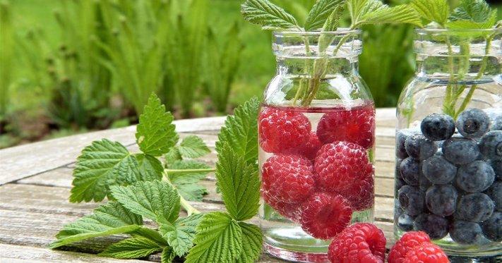 Eau détox aux fruits