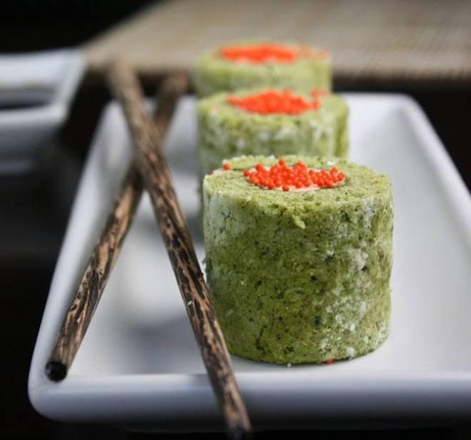 Matcha sushi rolls