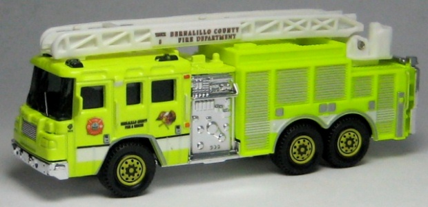RW003-01 Pierce Quantum Aerial Ladder