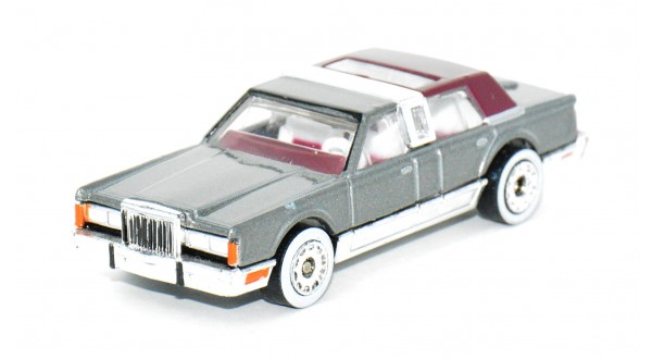MB197-08 Lincoln Town Car