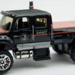 MB687-04 : International CXT