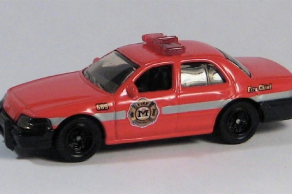 MB689-10 : 2006 Ford Crown Victoria Police