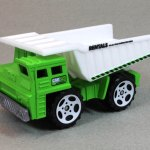 MB710-02 : Dump Truck