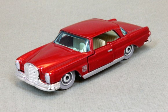 Matchbox MB1136-01 : 1962 Mercedes 220 SE Coupe