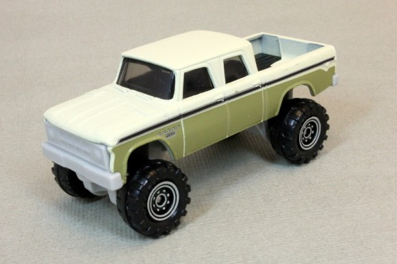 Matchbox MB1183-01 : 1968 Dodge D-200