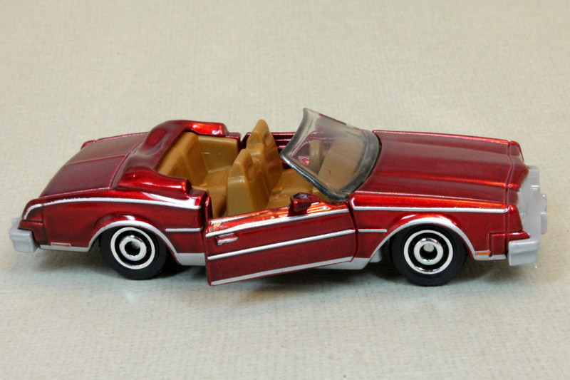 Matchbox MB1149 : 1983 Buick Riviera Convertible