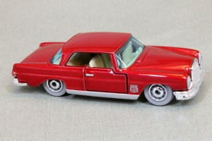 Matchbox MB1136 : 1962 Mercedes 220 SE Coupe