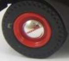 Matchbox Models of Yesteryear Wheels : Studebaker Solid Chrome Hub - Red