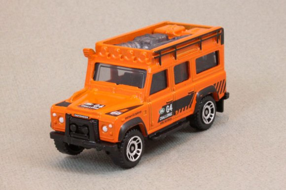 Matchbox MB838-A : Land Rover Defender 110